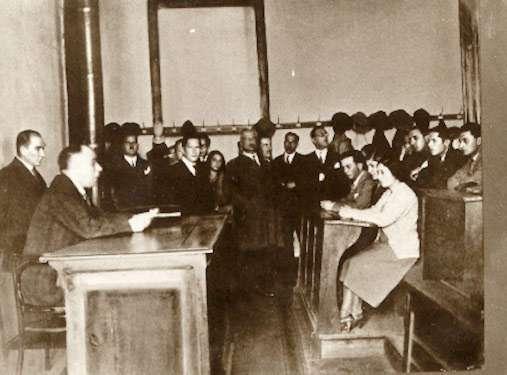 Atatürk arkeolojinin bir bilim dalı olarak eğitim dünyamızda yer